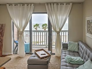'A Shore Thing' Inviting 1BR Corpus Christi Condo w/Private Patio, Expansive Gulf of Mexico Views & Phenomenal Community Amenities - Direct Beach Access! Close to Restaurants, Aquarium & Downtown Attractions!