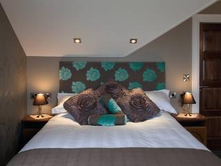 Causeway Lodge - The White Park room, Antrim