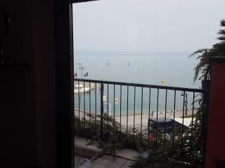 Vista dall'appartamento sul porto Galeazzi