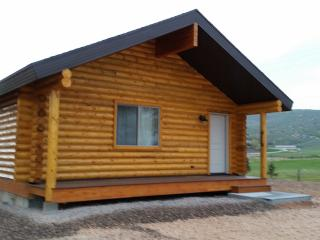 Luxurious Bear Lake Log Cabins in Garden City - 1