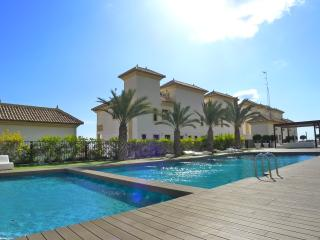 Luxury 2 beds apartment with terrace,sea view,pool&Spa,Gim,Wi-Fi,Sat TV,beachfro, Guardamar del Segura
