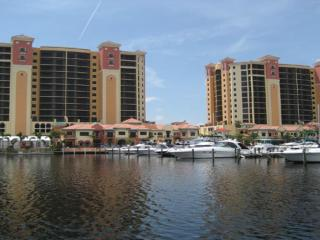 Luxury 7th Floor 2BD / 2BA in Cape Harbour, Cape Coral