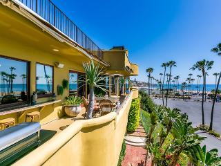 Premiere Estate in Corona del Mar, Sleeps 8, Newport Beach
