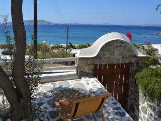 AGIOS STEFANOS, MYKONOS,  BEACH FRONT APARTMENT, Agios Stefanos