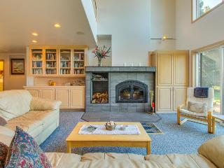 Beautiful Sea Ranch home w/ ocean view & hot tub!