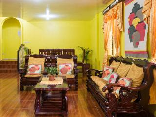 Sunflower Vacation House - 4 bedroom/2 CR house, Baguio