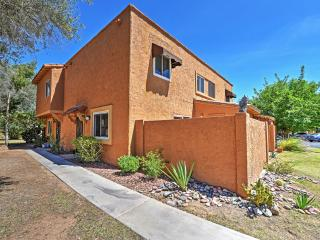New! 2BR Phoenix Condo w/Patio & Mountain Views