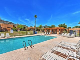 2BR Phoenix Condo -Patio, Mtn Views & Pool Access!