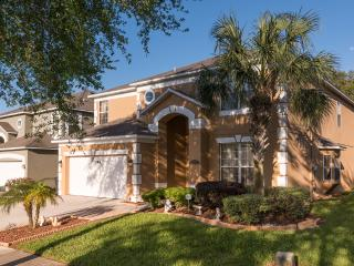 Luxury 7 Bed Villa, 4.5 bathrooms, close to Disney World