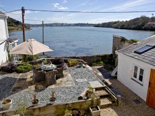 Harbour View, Wilcove located in Torpoint, Cornwall