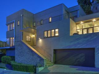 Hollywood Hills - Great Location!