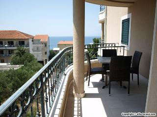 TH03486 Apartments Villa Tučepi / Two Bedroom A7, Tucepi