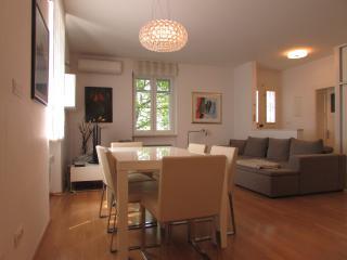 Brand NEW fabulous city center apartment, Split