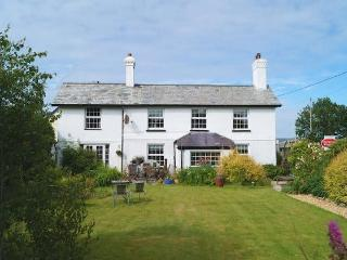 Delightful detached Dartmoor cottage, Brentor