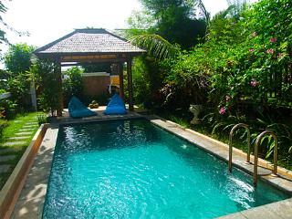 Villa in quiet area with ocean view, Pecatu