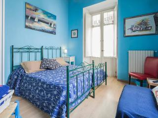 Homeward B&B - Cozy triple room with beautiful view of the old town of Salerno