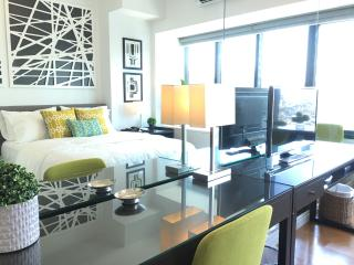 NEW+Central Rockwell, + Wifi,Cable,Pool,Mall,Gym, Makati