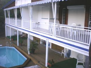 vue des terrasses sur la piscine