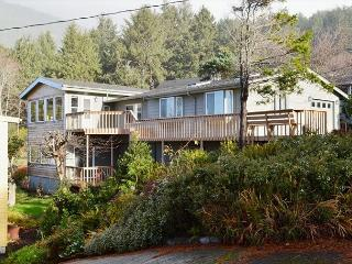 NEAHKAHNIE BREAKER~Spectacular oceanviews from almost every room. Pets ok!