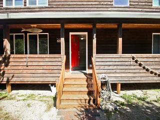 Molly's Escape is a bright, spacious, beach home in a quiet location!, Manzanita