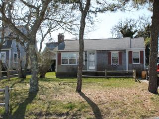 10 Hiawatha Road 131030, Harwich Port