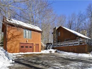 Relaxed and roomy this charming cabin is pet-friendly and affordable too!!, Canaan Valley