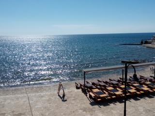 apartment Nika, city center,on the beach,.., Umag