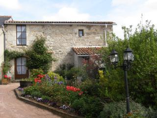 Une maison romantique pour deux set amoungst vignobles., Les Verchers-sur-Layon
