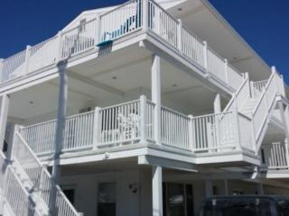 Comfortably Close to Beach and Boardwalk, Wildwood