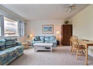 COMFORTABLY CLOSE to Beach and Boardwalk-**25 yrs and up**