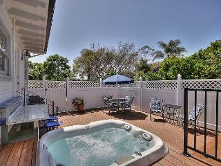 Elegant Hideaway in Carpinteria - Walking Distance To The Beach - Sleeps 6, Carpintería