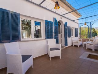 La Casita  2bedroom completly new cottage just 50 mts from the beach, Port de Pollença
