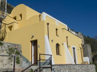 The Golden Vaults, Praiano