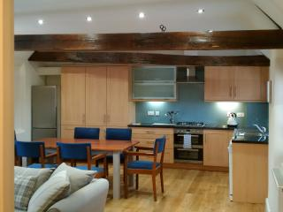 Luxury 2-bed serviced apartment  'The Old Warehouse' on Quayside in Norwich