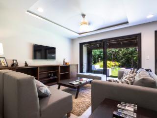 Villas Las Palmas Luxury Condo 102, Puerto Aventuras