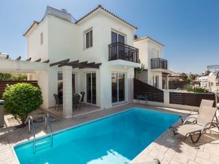 Villa Iris - 2 Bedroom Villa with Private Pool, Protaras