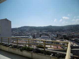 Bonito apartamento con gran terraza, Tossa de Mar