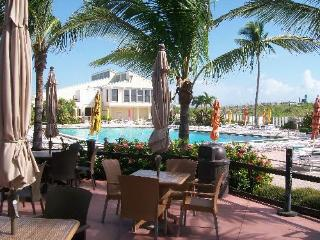 Ocean Village Condo on Hutchinson Island with OCEAN VIEW, Isla Hutchinson