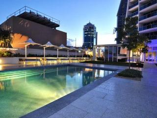 Stunning Ocean Views  3BED, Surfers Paradise 24802