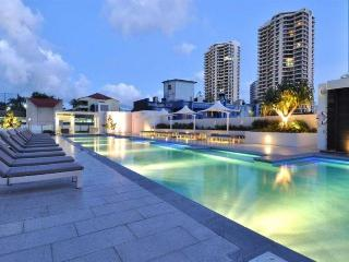 UNBELIEVABLE OCEAN VIEWS 2 BED LUXURY a22502, Surfers Paradise