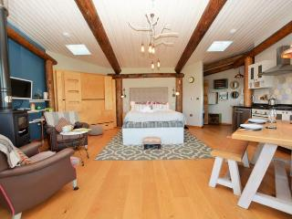 SAPPH Log Cabin situated in Aberaeron (7mls SE)