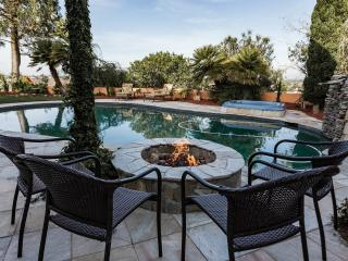 POOL AND VIEW IN GREAT LA JOLLA LOCATION