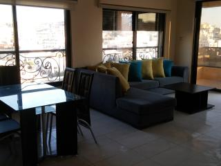 2 Bedrooms with Cozy Pool Near US Embassy, Amman