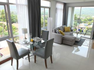 Koh Samui modern and stylish seaview apartment, Bophut