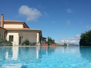 Agriturismo Mandriagiumenta, apartments wih pool, Caltavuturo
