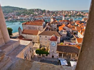 Big apartment with view on old town Trogir