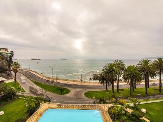 Depto frente al mar, con hermosa vista y piscina - Huge ocean front apt w/ pool