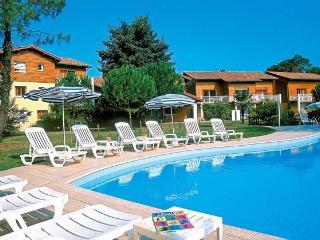 Joli appartement 42m2 avec piscine chauffée 4 personnes.