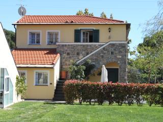 Appartement dans résidence avec piscine proche mer, Imperia