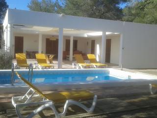Ibiza Villa 3 KM from the Beach, Sant Josep de Sa Talaia